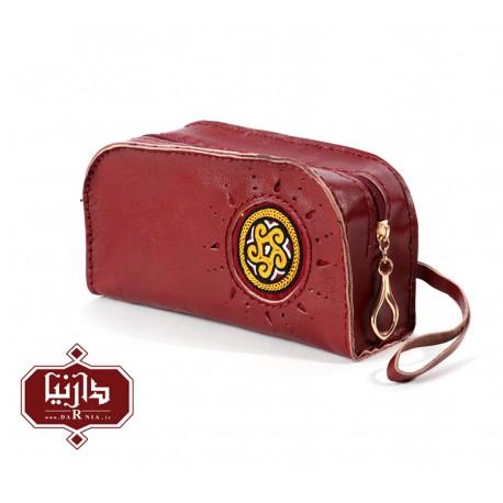 کیف آرایش چرم طبیعی زرشکی با سوزندوزی ترکمن