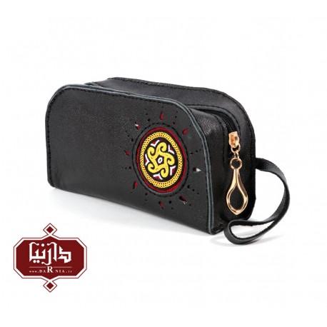 کیف آرایش چرم طبیعی مشکی با سوزندوزی ترکمن