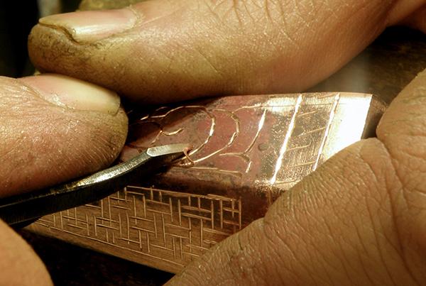 هنر چهارصد ساله طلاکوبی روی فلز
